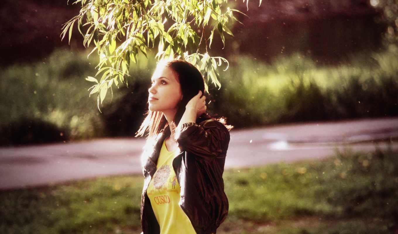 брюнетка, devushka, листья, настроения, priroda, devochka, солнце, дерево, devushki,