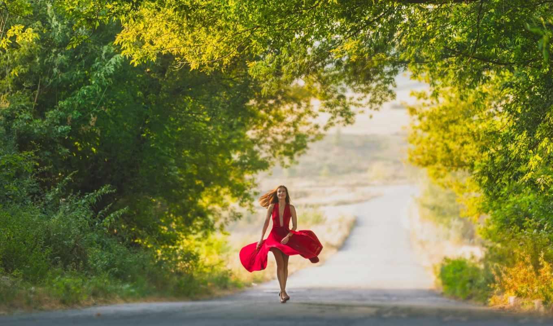 девушка, платье, ветер, красный, дорога, лес, лето