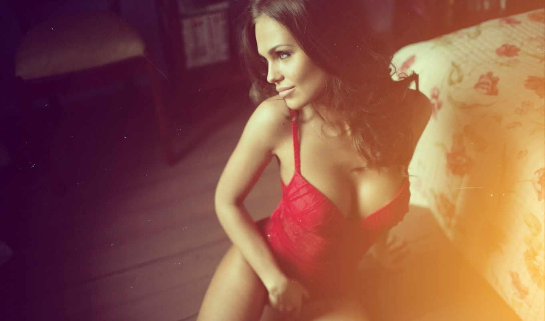 девушка, грудь, секси, сидит, брюнетка, взгляд, улыбка, портрет, alexander, sexy, модель, tikhomirov, картинка, изображение,