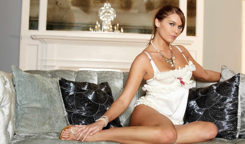 blonde, девушка, ноги, диван, загорелая, платье, пеньюаре,