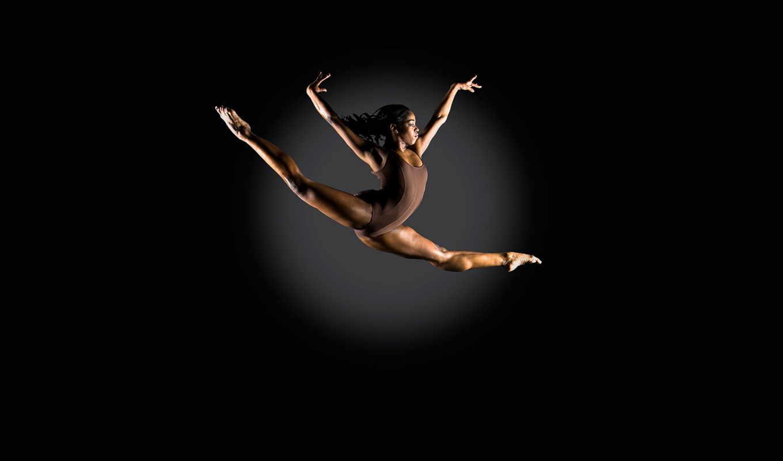 обои, спорт, девушка, спортсменка, прыжок, фото, с