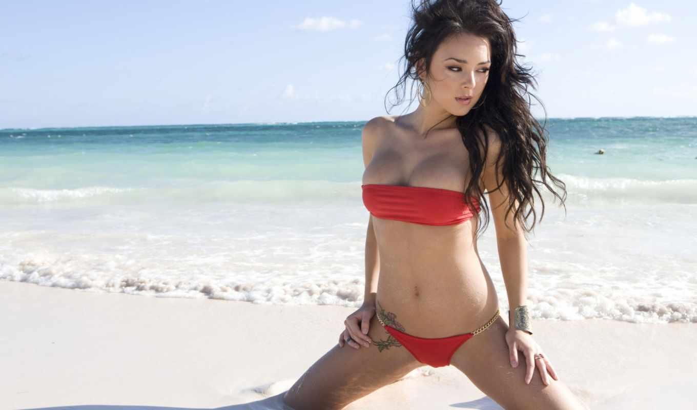 море, пляж, девушка, песок, волны, брюнетка, океан, девушки, картинка, картинку, кнопкой, правой, купальник,