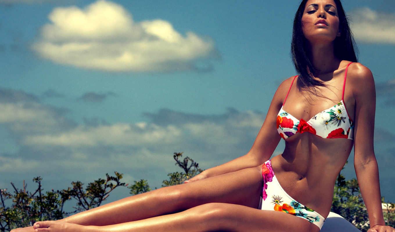 девушка, купальник, девушка в купальнике,небо природа,