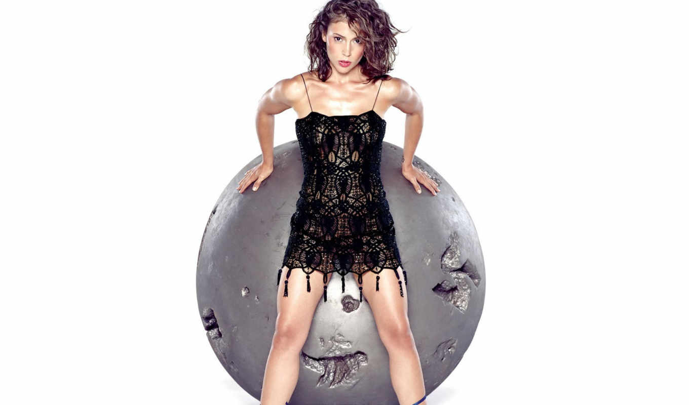 alyssa, milano, resolution, available, resolutions, original, photo, leaning, ball, round,