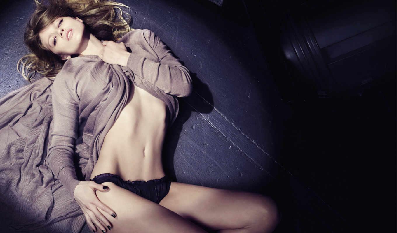 девушка, sexy, трусики, взгляд, белье, модель, фигура, губы, пол, живот, models, картинку,