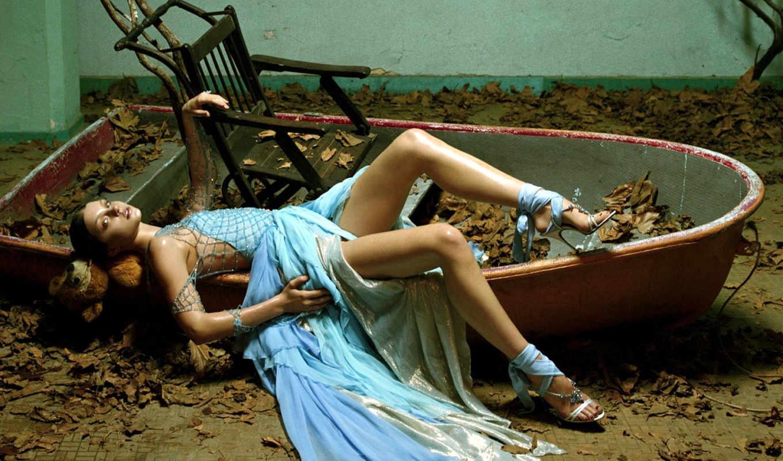 девушка, платье, girls, картинка, листва, кресло, blue, хэ, лодка, мэн, blonde,