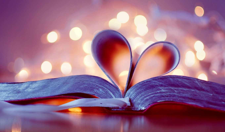 сердце, книга, стол, свечи, закладка