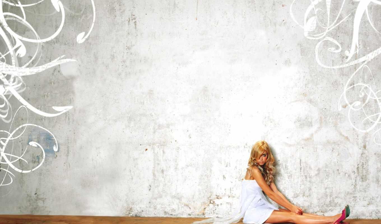стена, девушка, текстура, картинка, паркет, дерево, blonde, сидит, туфли,
