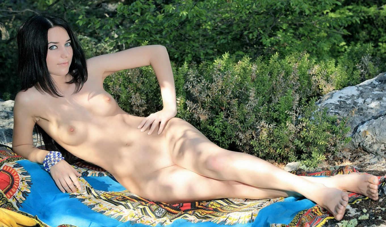 , девушка, голая, природа, голые, грудь, шатенка,