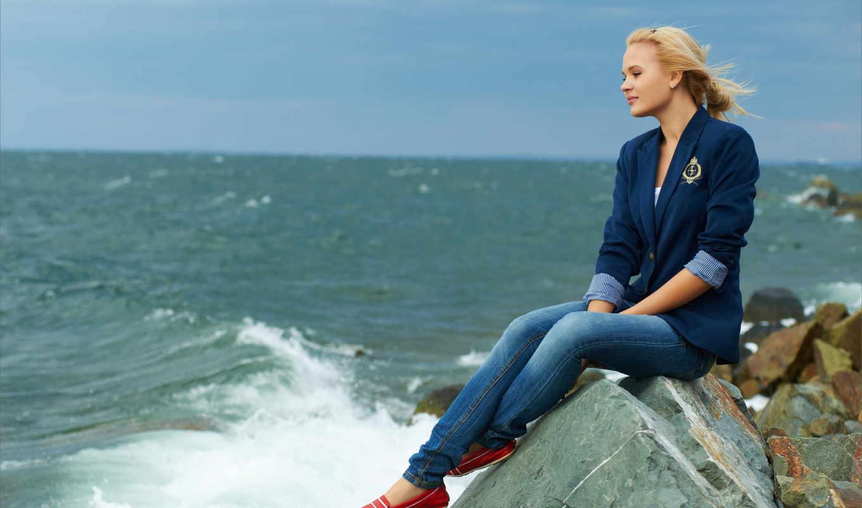 море, blonde, камни, улыбка, surf, ipad,