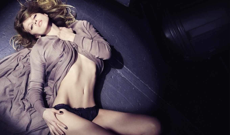 девушка, взгляд, трусики, пол, губы, живот, модель, белье, фигура, sexy, маша, картинку, кнопкой, novoselova, симпатичная,