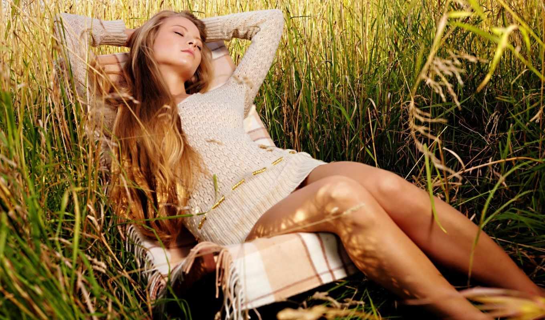 девушка, релакс, devushki, одиночка, video, приколы, трава, country, шезлонг,