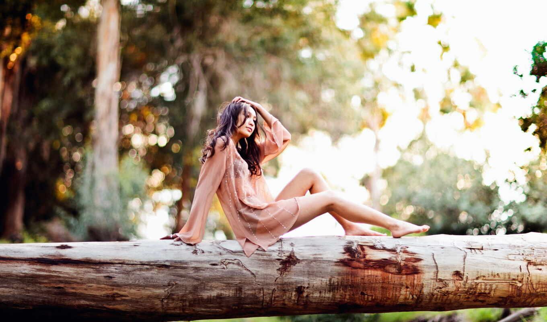 красивые, красиво, девушка, сидит, город, бревне, городе, места, лесу, блог, devushki,