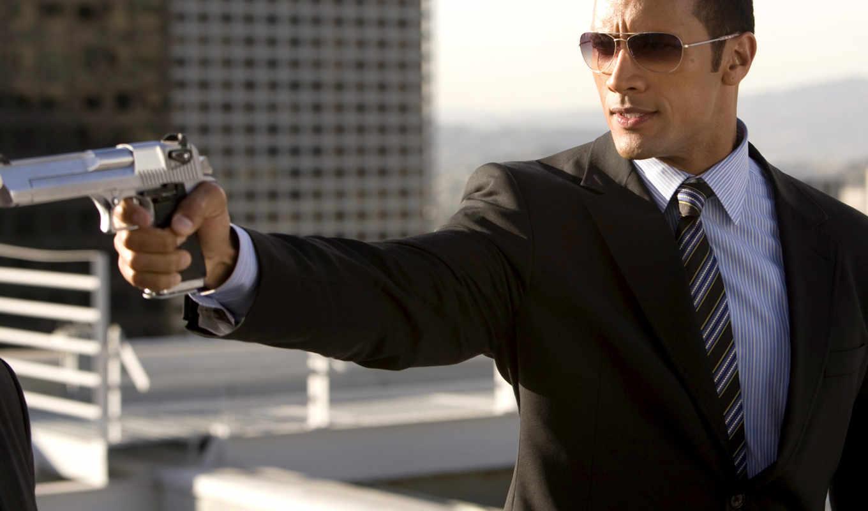 man, gun, average, men, with, копы, глубоком, знаменитости, you, machine, качественные, предпросмотром, запасе,