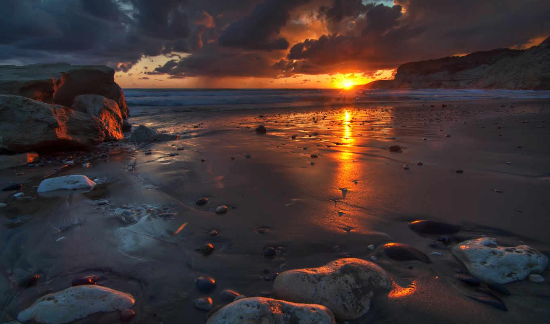 небо, солнце, облака, рассвет, природа, пейзаж, восход, камни, песок, берег, океан, волны, краски, картинка, beach,