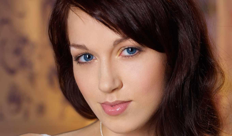 ,макияж, девушка, голубые глаза, шатенка,