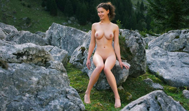 , девушка, камни, голая, грудь, красивая грудь, секси девушка,