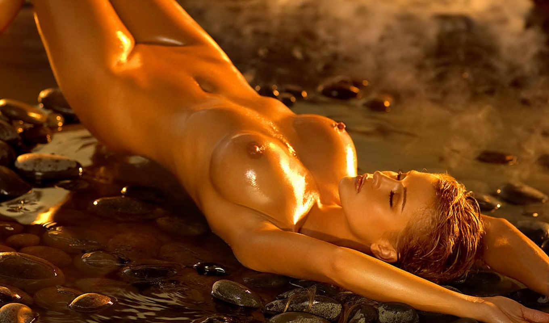 Erotic And Naked Mona