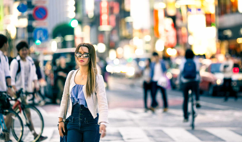 девушка, городу, идёт, вьетнамская, кот, оранжевый, интернет, магазина, платья, коктейльные,