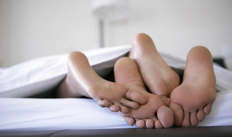 постели, love, ноги, поцелуй,