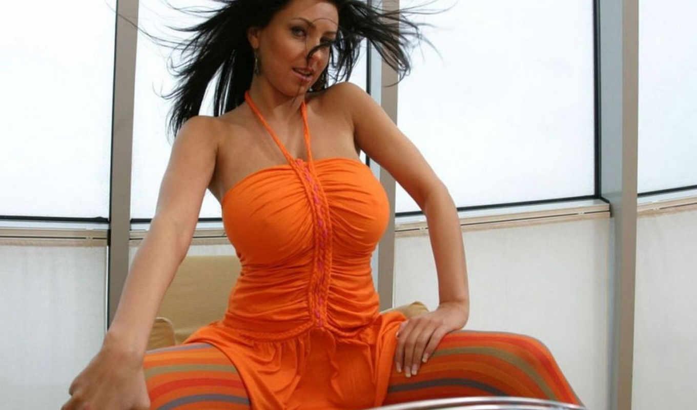 brunette, платье, оранжевом, черном, devushki, знаменитости, лежит,