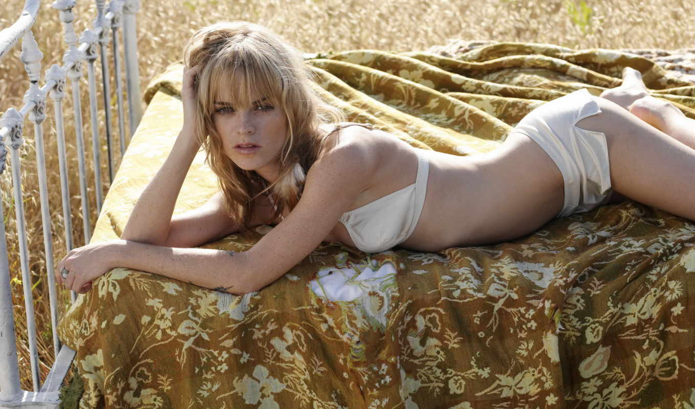 taryn, manning, pack, hot, girls, sexy,