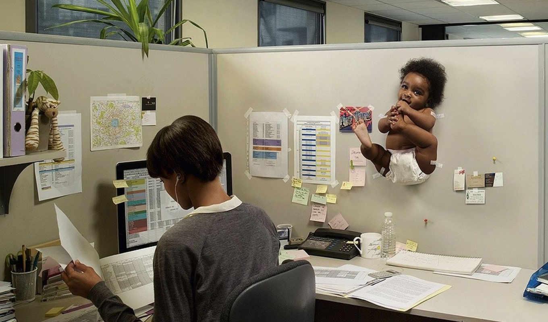 ребёнок, мама, работа, компьютер, телефон, бумаги