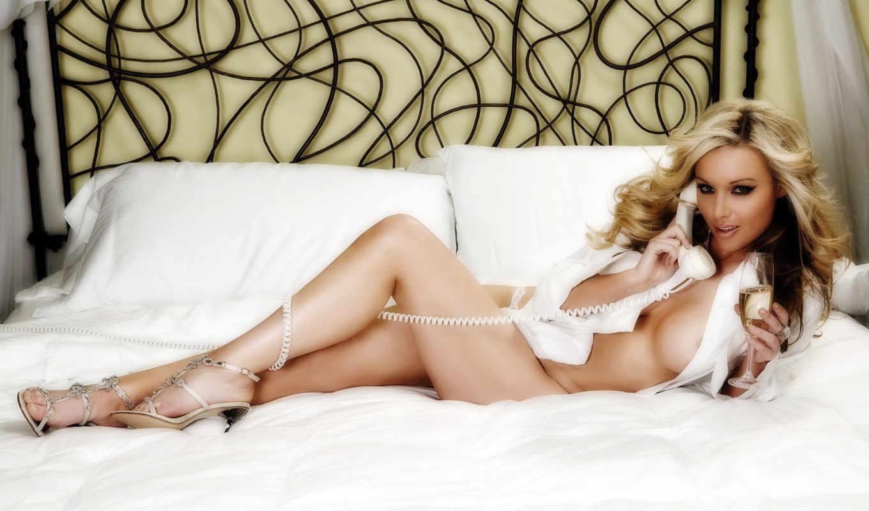 kross, kayden, blonde, картинка, кровать, рубашка, телефон, девушка,