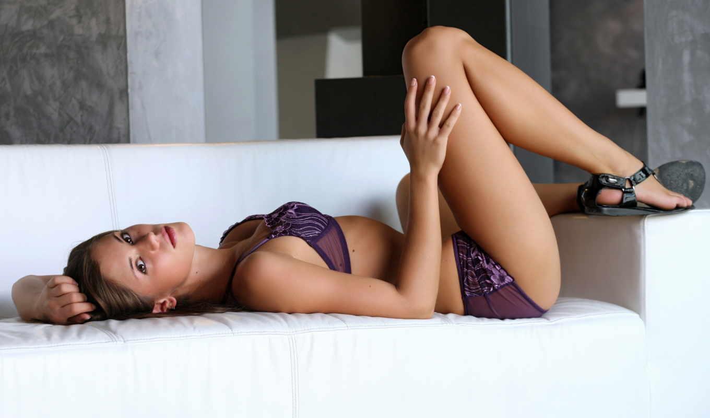 caprice, little, диван, взгляд, ножки, белье, lingerie,