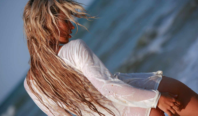 девушка, блондинка, мокрая, песок, футболка, смотрите, взгляд, море, девушки, пляж, картинка,
