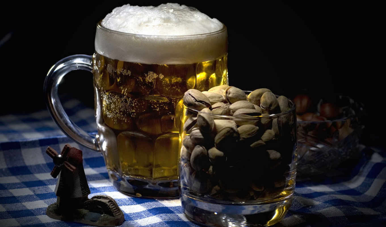 пиво, чипсами, pistachio,