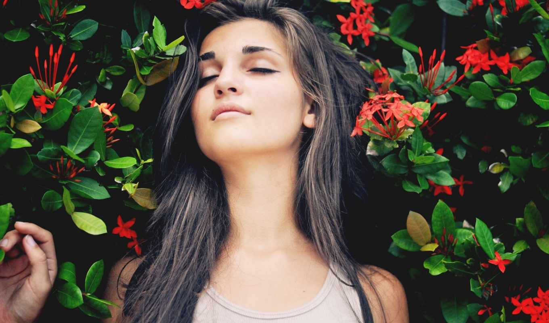 девушка, cvety, devushki, стоит, меня, everything, красными, близко, лежит,