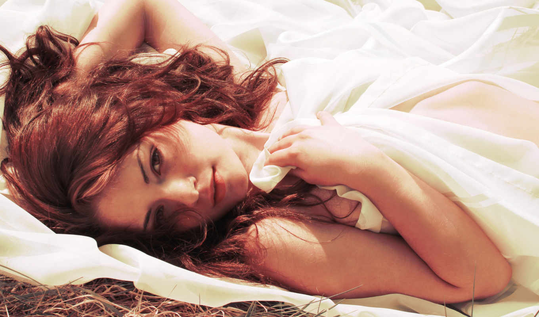 рыжая, модель, девушка, трава, ткань, devushki, белая, skin,