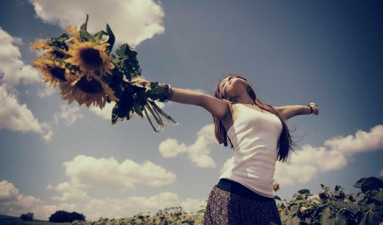 девушка, подсолнухи, радость, небо, облака, поле