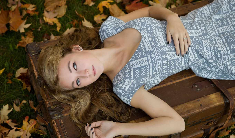 девушка, осень, платье, чемодан,
