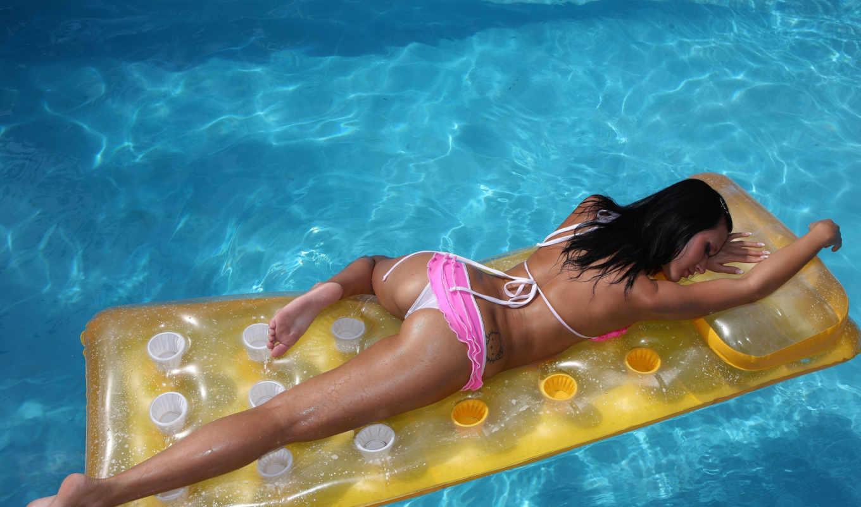 angelica, девушка, бассейне, матрасе, голая, надувном, позирует,