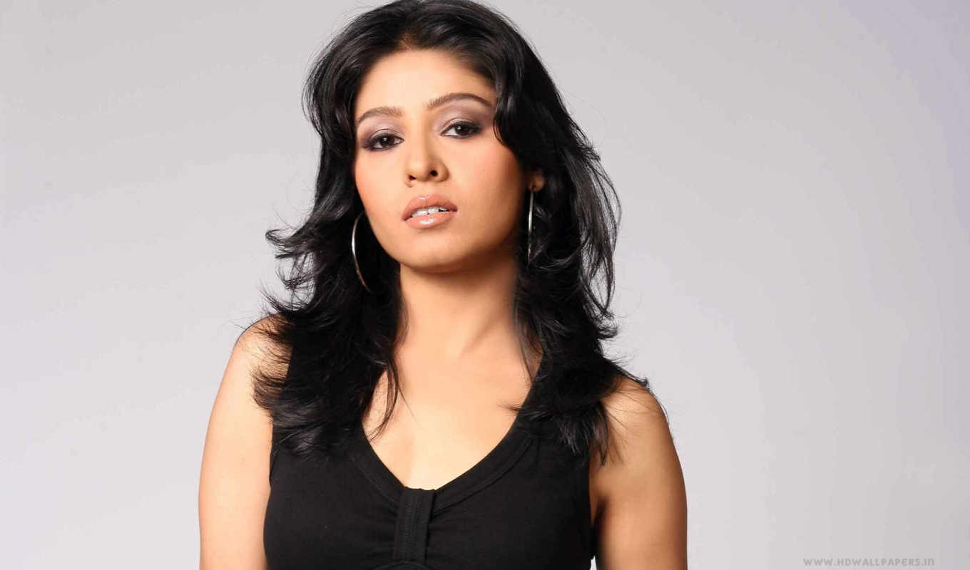 sunidhi, chauhan, singer, her, she, playback, has,