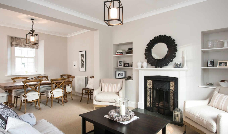 гостинная,светлая,стол,зеркало,кресла,ваза,