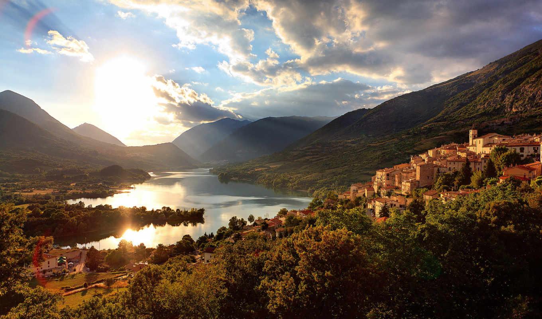 город, lake, горы, дома, солнце, nature, возле, гор, река, картинка,