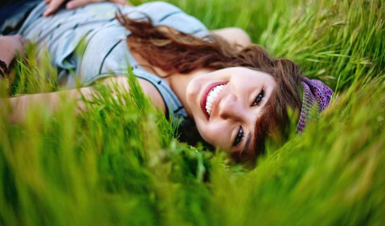 трава, девушка, улыбка, summer, настроение, природа,