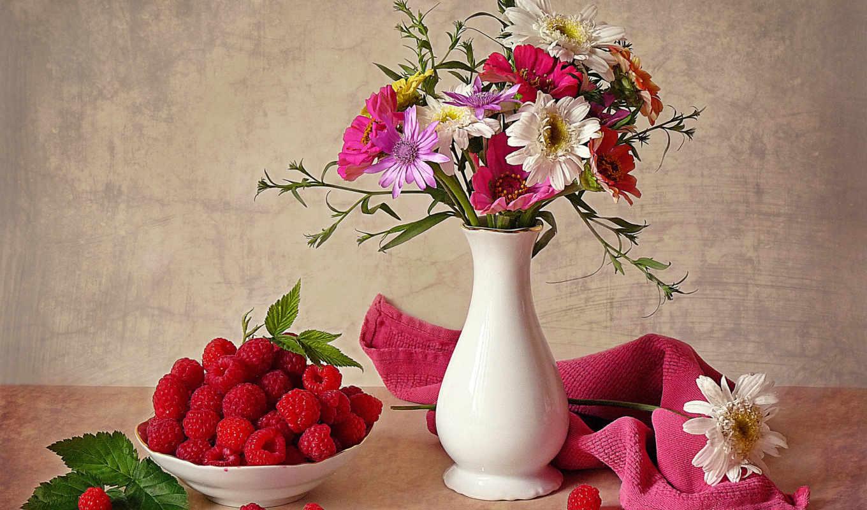 цветы, натюрморт, солнце, ваза, ягоды, лето,