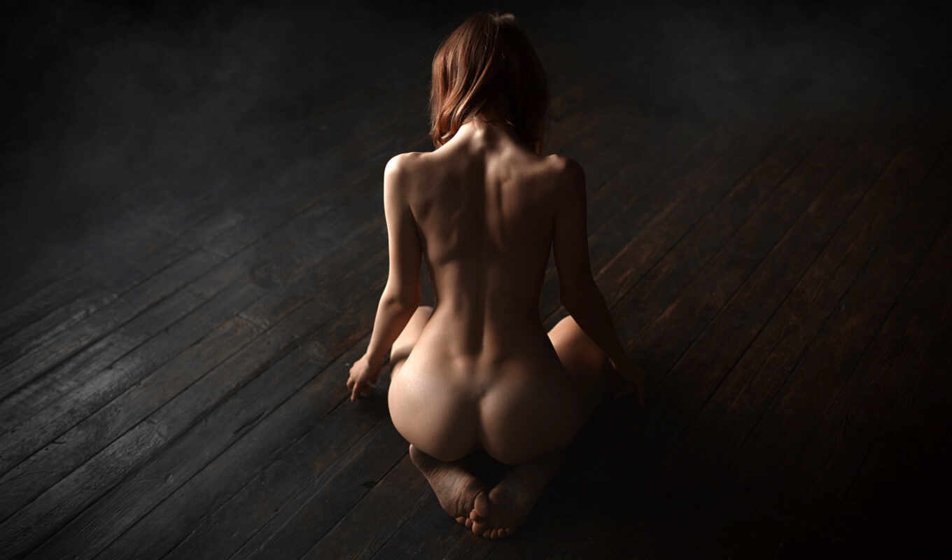 Big ass tight hips kneeling nude girls pictures