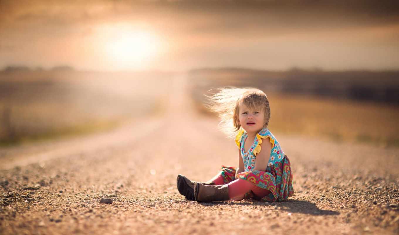 ребёнок, девочка, дорога, фокус, закат, печаль