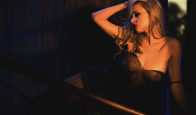 девушка, blonde, эротический, секси, красавица, поза, стоя, руки, перила, лицо, sexy, грудь,