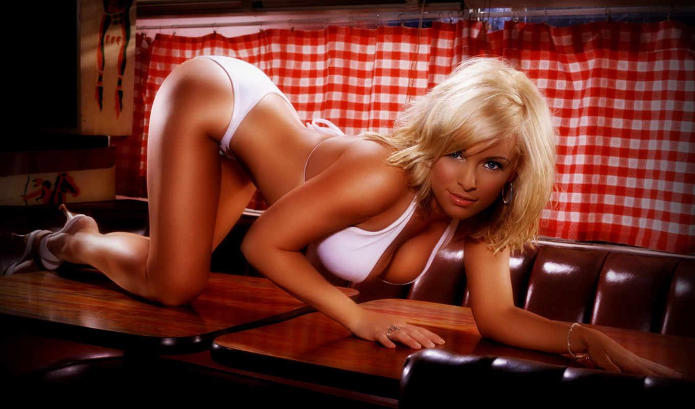 блондинка, украшения, взгляд, туфли, поза, белье, шторы, девушки, girls, картинку, картинка,