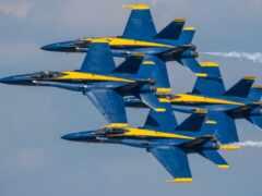 air, показать, blue