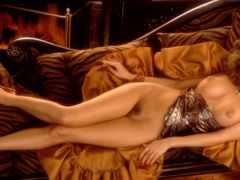 винтажная голая дамочка возьми диване