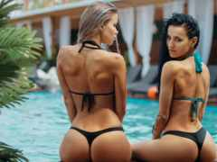 девушки купальнки, бассейн