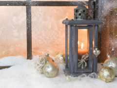 свеча, окно, снег