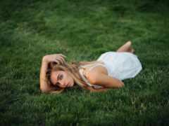 смарт, трава, девушка